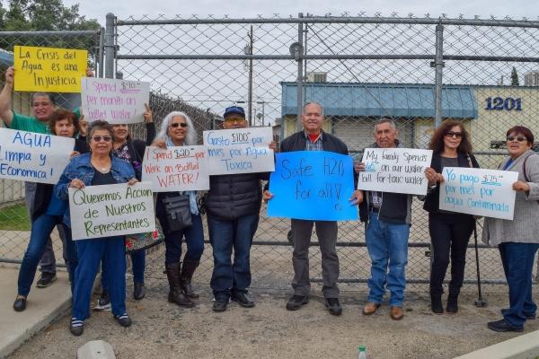 Asociación de Gente Unida por el Agua / Association of People United for Water