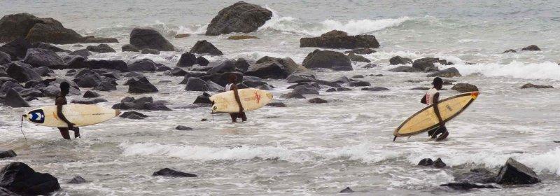 liberia_surfers