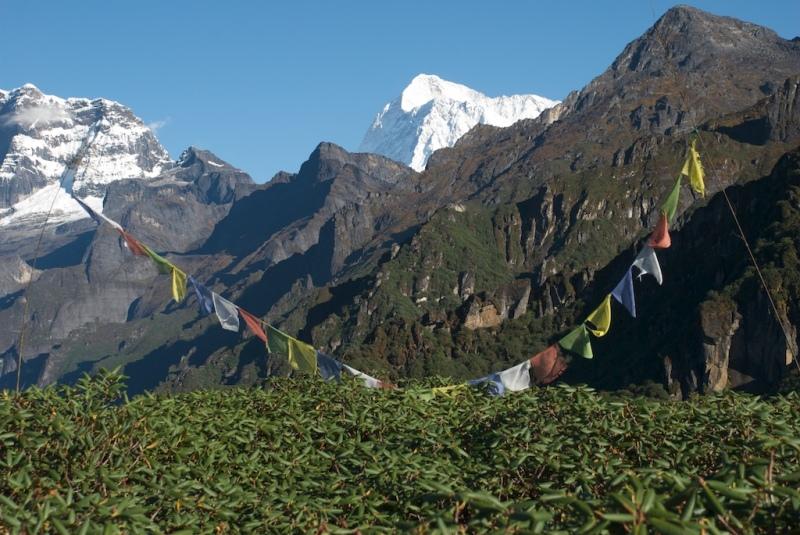 First view of makalu on trek in 2