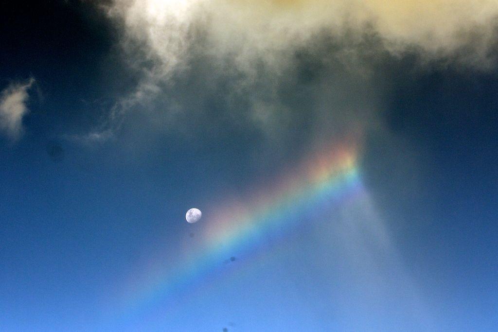 Liz_24_rainbow_moon
