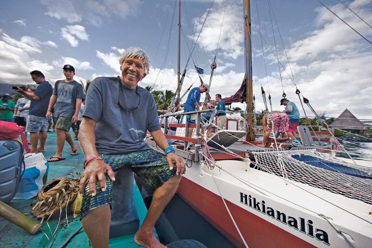 Veteran crewmember 'Snake' Ah Hee pauses on the dock before departure to Ra'iātea. Photo: John Bilderback