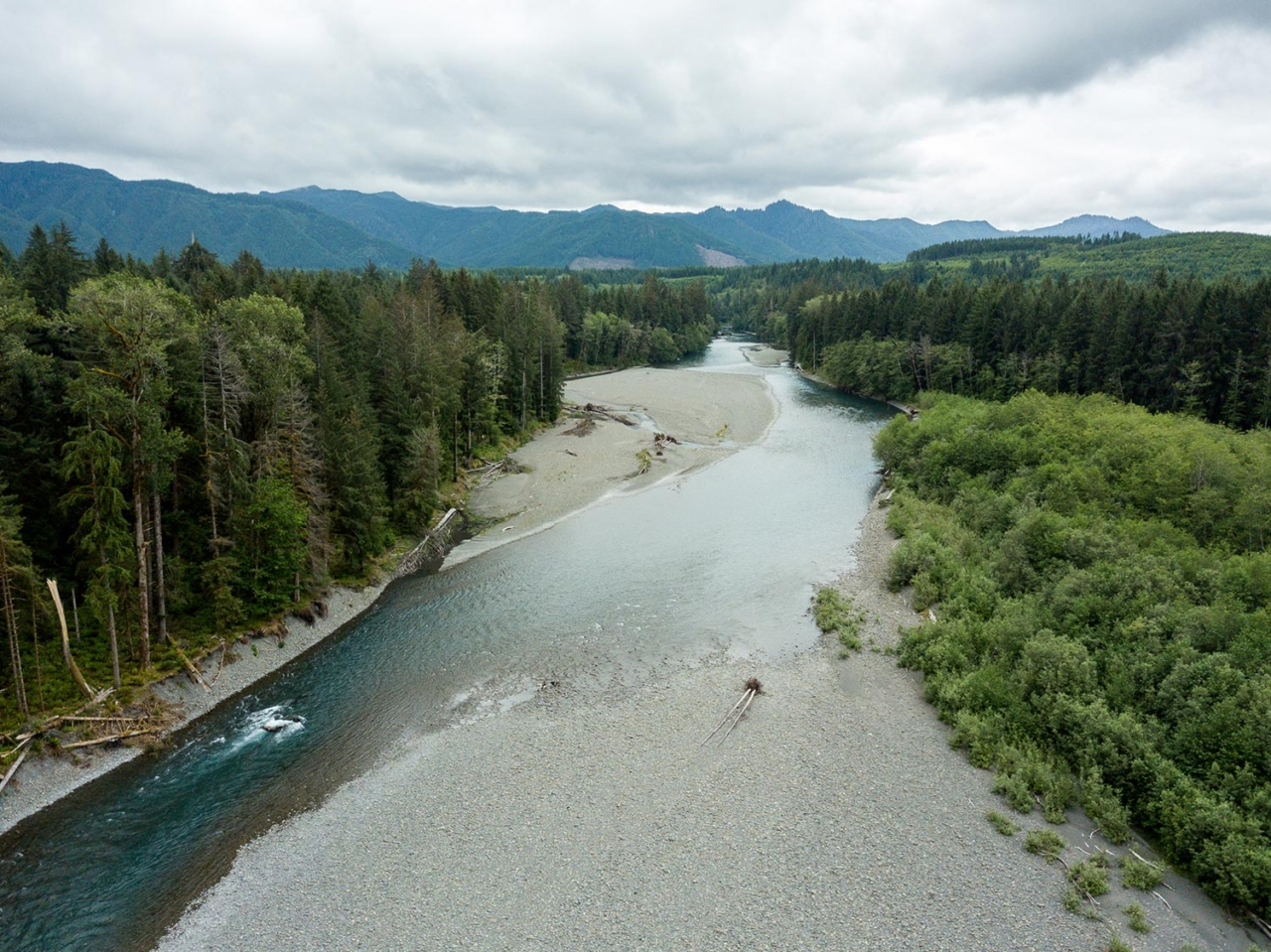 A healthy river will do as it pleases, be it flood its banks, reshape its channel or change course completely—meaning the rocky spits that appear to hem it in are actually just open spaces for the water to move. Photo: Colin Wiseman