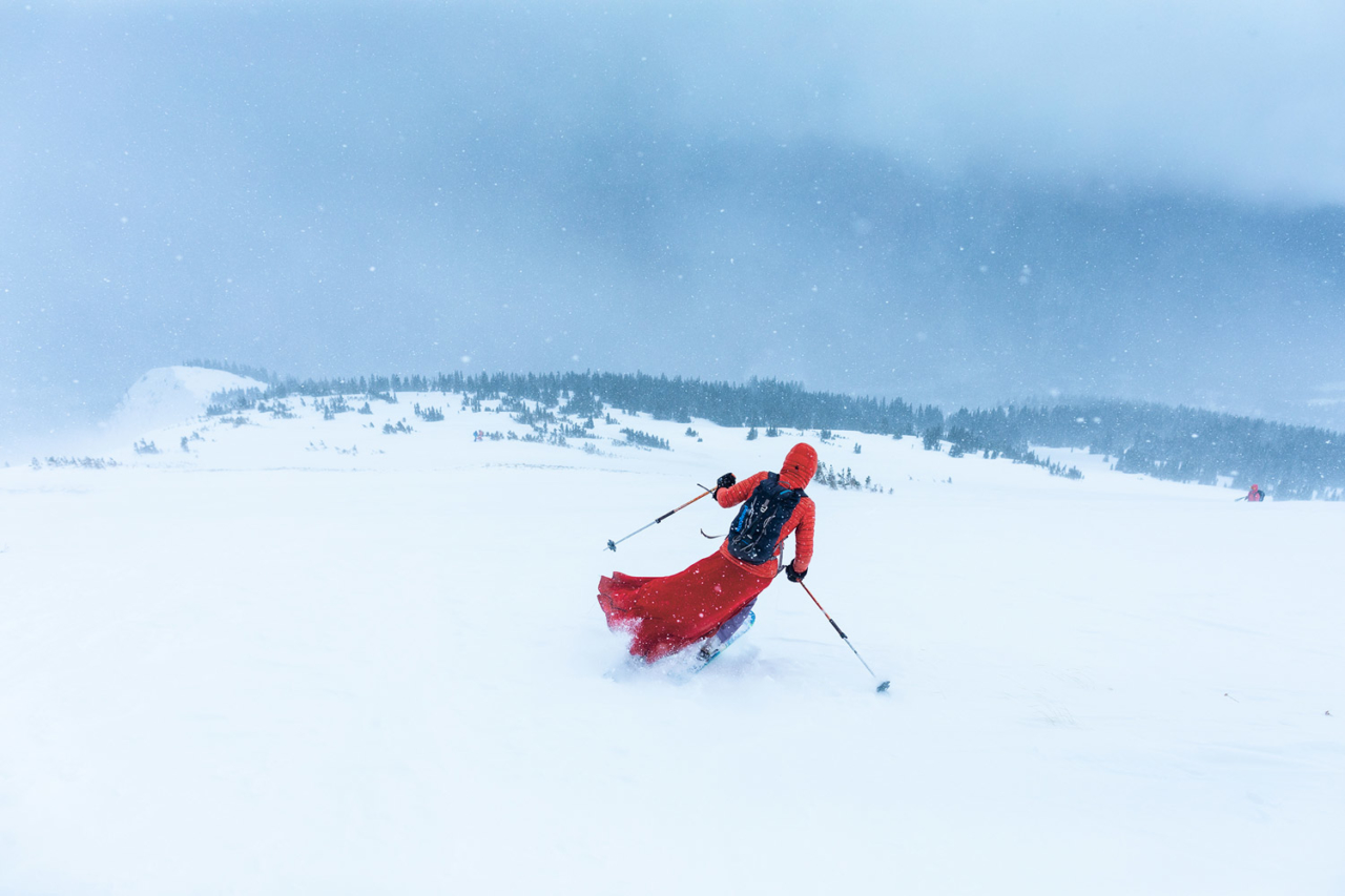 The author (Red Lady #35) navigates the windswept shoulder of Red Lady Bowl. Photo: Forest Woodward
